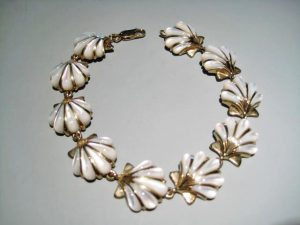 14K Gold Bracelet with White Mother of Pearl Artist: Kabana Stavros Catalog: 895-70-4 #19312 Price: $2,950.00 REDUCED: $1,900.00