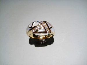 14K Gold Ring with Mother of Pearl and Diamond Artist: Kabana Stavros Catalog: 895-51-3